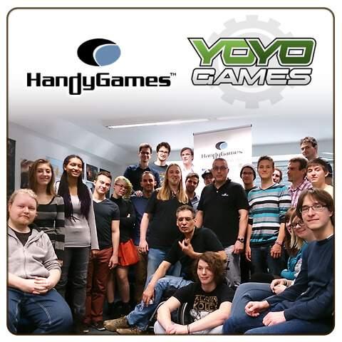 group photo YOYO Games Handygames